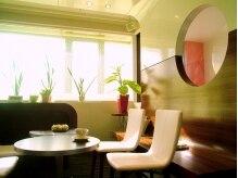 カトレア静岡店の雰囲気(鷹匠の温かい光が差し込むカフェのようなサロンです!)