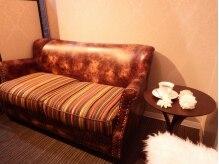 ムルア(MURUA)の雰囲気(待合スペースはこだわりのフカフカソファーです♪[蒲田])