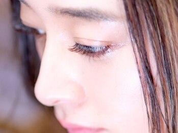 プティットスリール アイラッシュ 豊田店(Petit Sourire Eyelash)の写真/ふんわり軽くボリュームUP☆【シングルボリュームラッシュ120束(600本相当)¥5600】ブラウンに変更も無料!