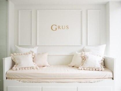 グルス(GRUS)の写真