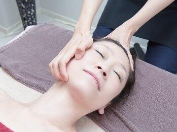 フルールクレールの写真/フェイスラインをきゅっと引き上げ理想の小顔へ。頭蓋骨矯正+首肩リンパ+小顔矯正で,リフトアップ&ツヤ肌に