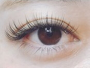 ナナ リスボン(NANA LISBON)の写真/《モチには自信があります》長く綺麗な目元を楽しみたい方はフラットラッシュが◎バインドロックもオススメ
