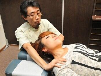 エスクローバーカイロプラクティックスオフィスの写真/多くの人が悩んでいる硬くなった首・肩の筋肉に☆デスクワークや立ち仕事でお疲れの方にも◎