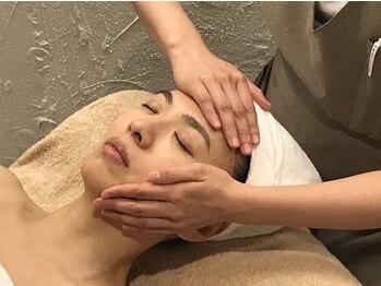 頭美人 肌美人 イーオースパ リアルプロ(EO SPA × REAL PRO)/肌をキレイにそして小顔が叶う