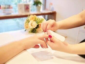 ネイルアンドジュエリーラズリ(Nail&Jewelry RAZULI)の写真/自爪を削らない【パラジェル】取り扱いサロン☆爪に優しく、モチの良さにも定評有!二枚爪/割れやすい方に◎