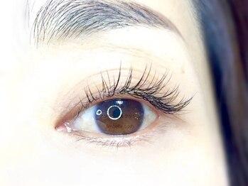 アンベリイルラッシュ(Embellir Lash)の写真/【貴方に似合うオシャレな目元へ♪】エクステならではの良さで長さ濃さをプラス《高品質フラットラッシュ》