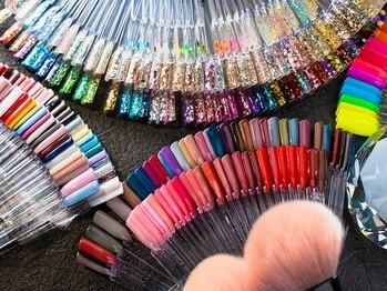 ネイルグランツ(nail glanz)の写真/約630種類のカラー・パーツも豊富にご用意!ご希望のデザインを叶えます★