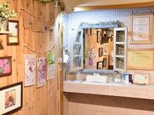 バタフライメイデン(Butterfly Maiden)の雰囲気(UVやメイク下地、コンタクトケース、洗浄液あります♪)