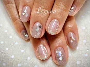 ラグウナ(Laguna)/シェルとミラーのくすみカラー