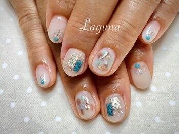 ラグウナ(Laguna)/夏のニュアンスネイル