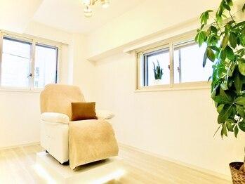 イヴアンドボー(IB&beaux)の写真/完全個室サロン!衛生管理◎フラットラッシュより軽く自まつ毛への負担最小限!ボリュームラッシュ300本¥6998