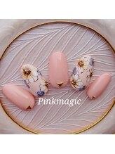 ピンクマジック(PINKMAGIC)/大きめのお花の手描きネイル