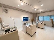 白を基調とした店内◆ニュアンスネイル/パラジェル/ジェルネイル