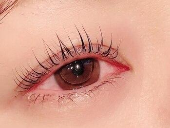 フォルチェ(Folche Esthetic&Eyelash&Nail)の写真/【次世代まつげパーマ《パリジェンヌ》¥5500】自まつげを根元から立ち上げ自然で上品なパッチリ印象eyeに♪