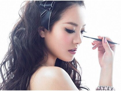 美眉アンド美肌のビュティーサロン シュプレーム(Supreme)の写真