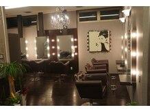 ヘアスタジオ アンド アイラッシュサロン ファースト(FIRST)の雰囲気(美容室の中に併設しております♪)