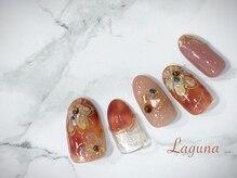 ラグウナ(Laguna)/べっ甲とフラワーネイル