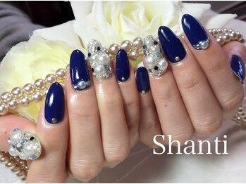 シャンティ ネイルサロン(Shanti nail salon)/冬のビジューネイル♪