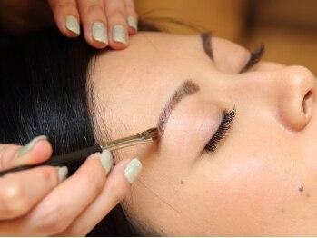 プティリュビ(Petit Rubis)の写真/眉毛で印象はガラッと変わる☆<ワックス脱毛/カラーリング>で垢抜けフェイスに!キレイはプロにお任せ♪