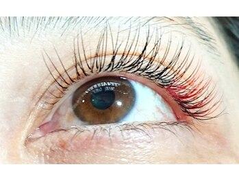 ベリー(Berry)の写真/【豊富なカラーで周りと差をつけて♪】瞳や髪色にトレンドに合わせて最旬カラーに!カラーエクステ¥1000~☆