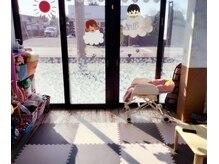プログレス 取手店(PROGRESS by ヂェムクローバーヘアー)の雰囲気(ママに嬉しい!お子様同伴可。キッズスペース有り♪)