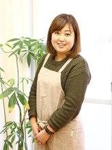 ネイルサロンアンドスクール グーフィー(nail salon&school goofy)西口 裕子