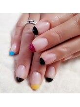 ビエンネイル(Bien nail)/POPテイストなフレンチネイル