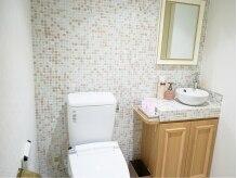ハナゴコロ (Hanagokoro)の雰囲気(パステルカラーのタイルが可愛いトイレ♪)