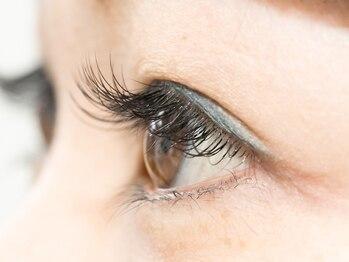 デンパサール アイラッシュ 宝塚店(DENPASAR eyelash)の写真/派手過ぎず、違和感のない上品な目元へ☆ナチュラルな仕上がりご希望の方におすすめ◎仕事終わりも大歓迎♪