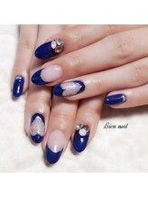 ビエンネイル(Bien nail)/ブルー×ハート型フレンチ
