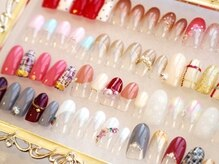 ネイルのカラーは500種類以上から選べます(横浜西口店)