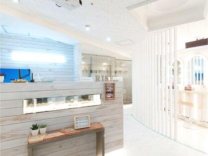 アイラッシュトウキョウドットライズ エキニア横浜店(TOKYO.RISE)の写真