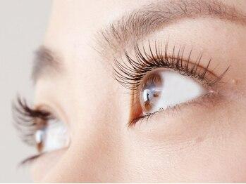 ティアラ 梅田店(tiara)の写真/デザイン力&モチの良さに感動!!一重、二重、垂れ目etc.貴女の目の形に合わせて最適なデザインをお届け♪