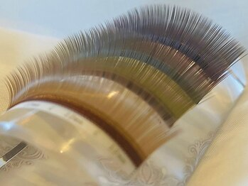 まつげエクステ専門店 アイラッシュ ティーズ 綾瀬店(eyelash T's)の写真/人気ブラウン充実のラインナップ!ロイッシュカラーも◎カラー追加料金なし☆透明感のある自然な目元を演出!