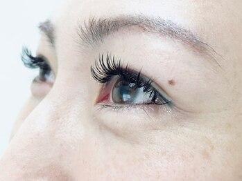 ヒュッゲ アイラッシュ(Hygge eyelash)の写真/《金沢八景》モチの良さNo1【最新技術☆2種類のエクステを組み合わせて装着するバインドロック】