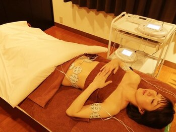 ドリーム メディカル ラボ(Dream Medical Labo)の写真/完全予約女性専用メニュー♪《低体温解消!温フィット/インナーEMS+岩盤ヒートマット30分¥3780→¥1950》