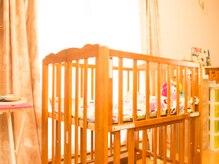 アンベリール(Embellir)の雰囲気(ベビーベット完備、お子様連れのお客様も大歓迎です。)