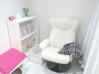ピュアネイルプティ イオンモールKYOTO店/ふかふかソファ