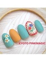 ピンクマジック(PINKMAGIC)/刺繍風手描きお花ネイル