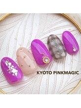 ピンクマジック(PINKMAGIC)/大人かわいいチェックネイル