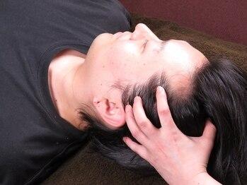 アムール(Amour)の写真/お仕事の疲れを感じたら【ドライヘッドスパ60分¥6600】でスッキリ解消☆しっかりした圧でほぐします!