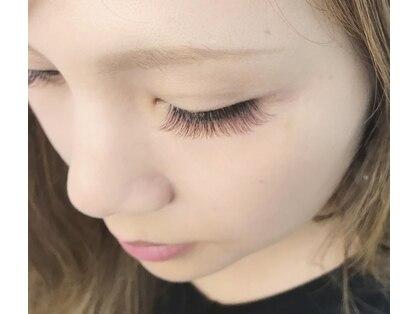 ブルーアイラッシュ(bleu eyelash)の写真