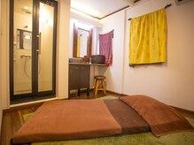 コンディションルーム ネンネ(Condition Room Nenne)の雰囲気(個室空間で、人目を気にせずリラックスできる施術スペースです。)