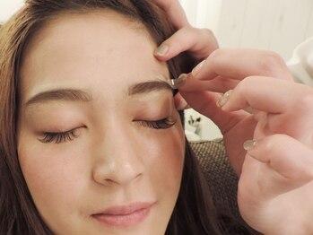 プティ アイビューティ 淀屋橋店(peTiT eyebeauty)/【眉スタイリング】施術の流れ2