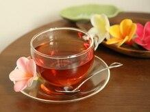 ラウレレ(Laulele)の雰囲気(ロミロミ施術前と施術後はあったか生姜紅茶で一服♪)
