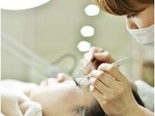 まつげエクステの様子 担当は全員美容師です。