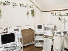 メディカルサロン ティアラ 亀有本店の雰囲気(完全個室の施術ルームには、最新美容機器を多数完備 )
