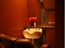 ヘアモード キクチ 銀座店(HAIR MODE KIKUCHI)の雰囲気(施術は【仕切りのある個室空間】で女性理容師が担当いたします!)