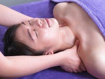 ソリデンテ 浦和の写真/《独自メソッド「ミオドレナージ」》肩こり腰痛も◎お悩み事に合わせ、筋肉と筋膜を深層からほぐす新技術。