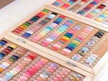 300種類以上のカラーサンプルからお好みのお色を選択可能◎